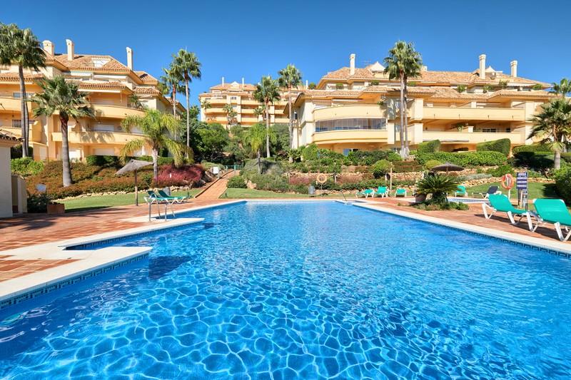Apartments for sale in Elviria
