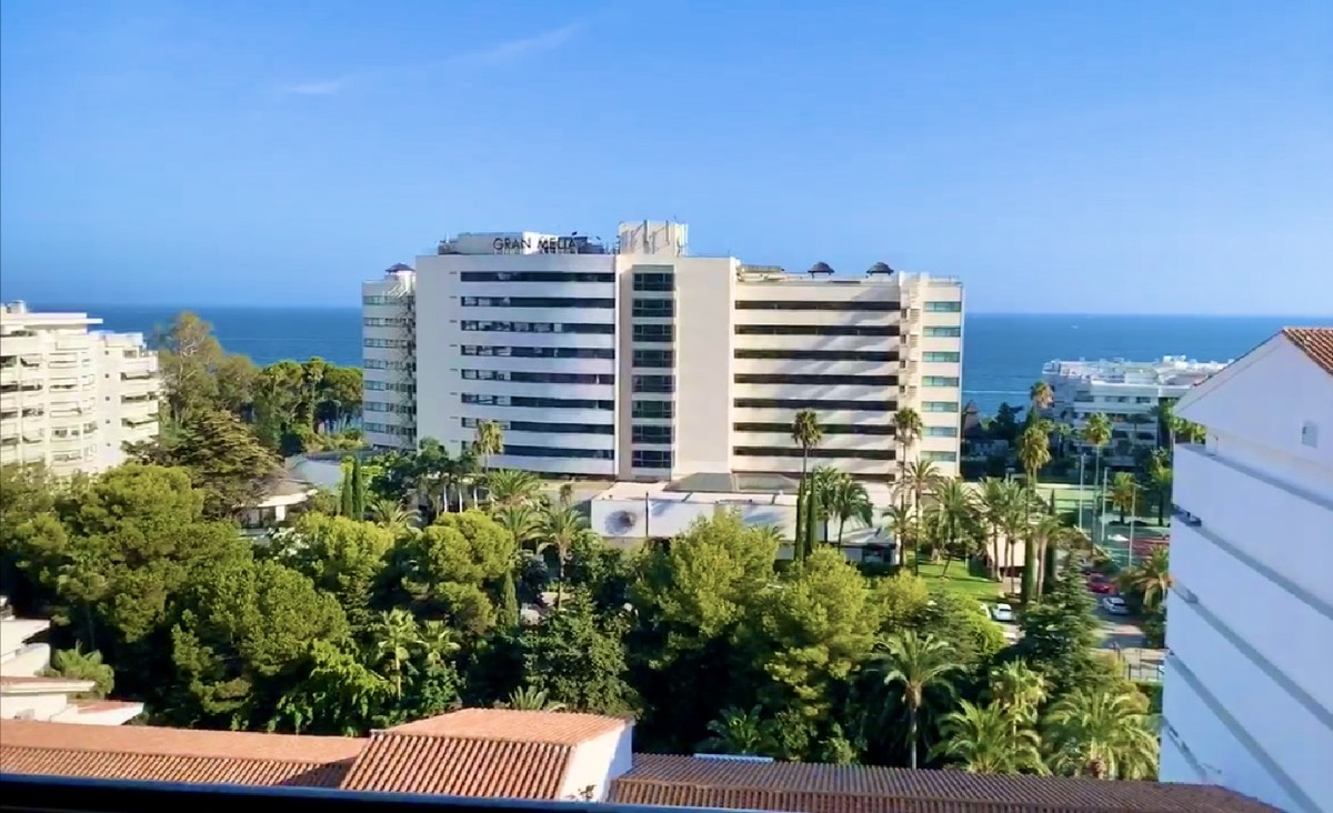Penthouses for sale in Golden Mile