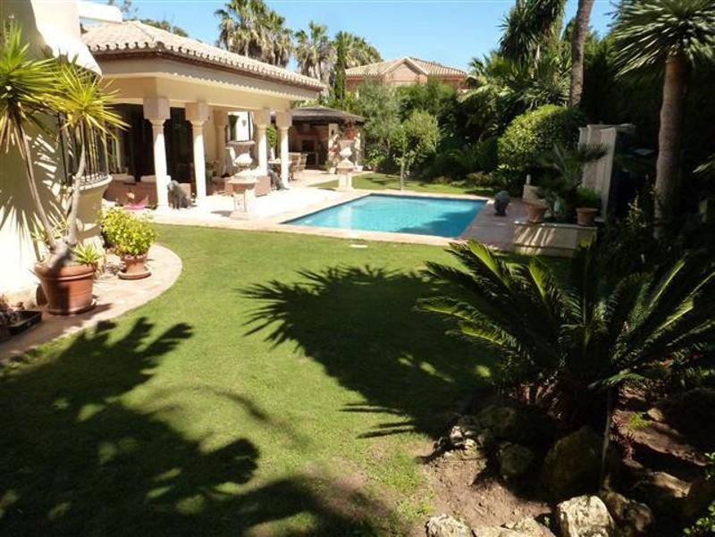 Villas for sale in Atalaya