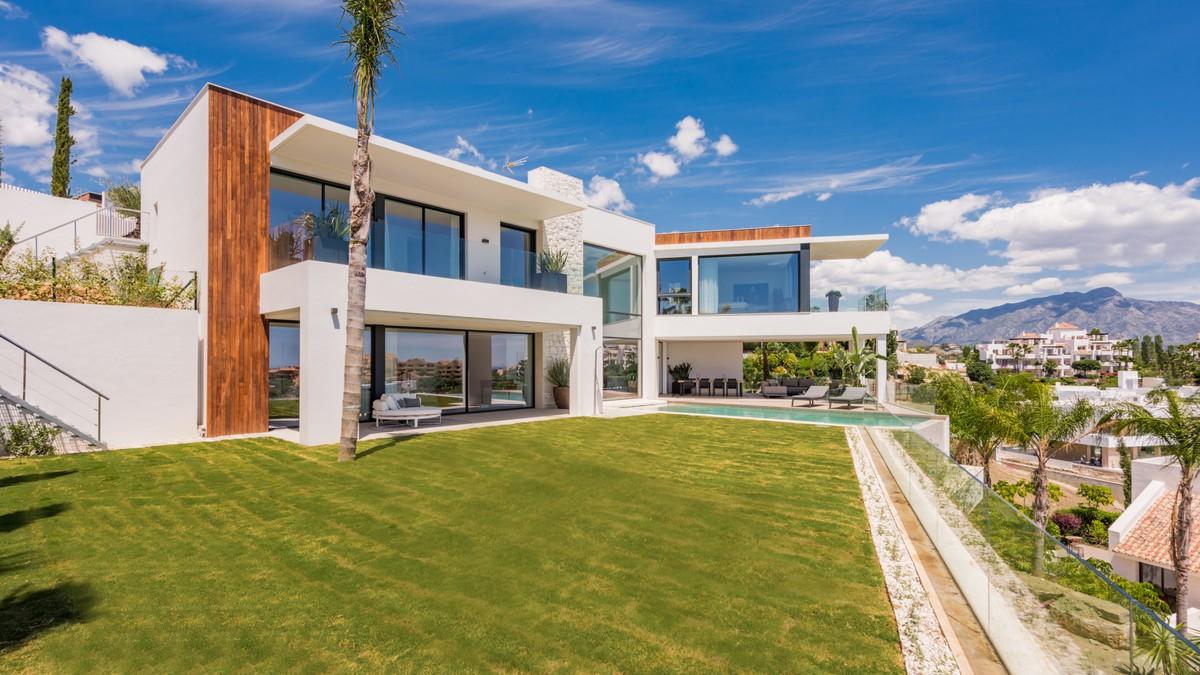 Villas for sale in Benalmadena