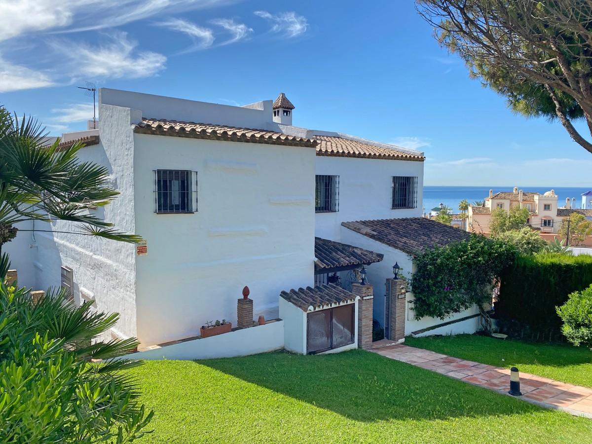 Villas for sale in Casares
