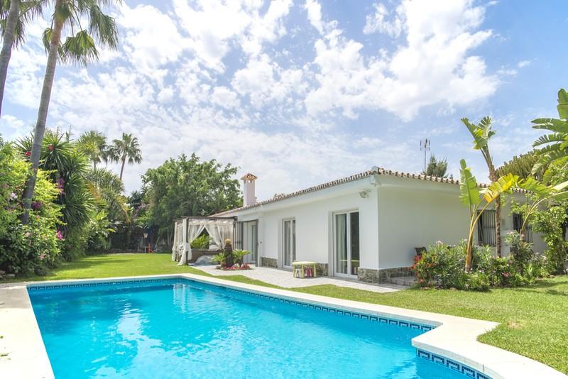 Villas for sale in Cortijo Blanco