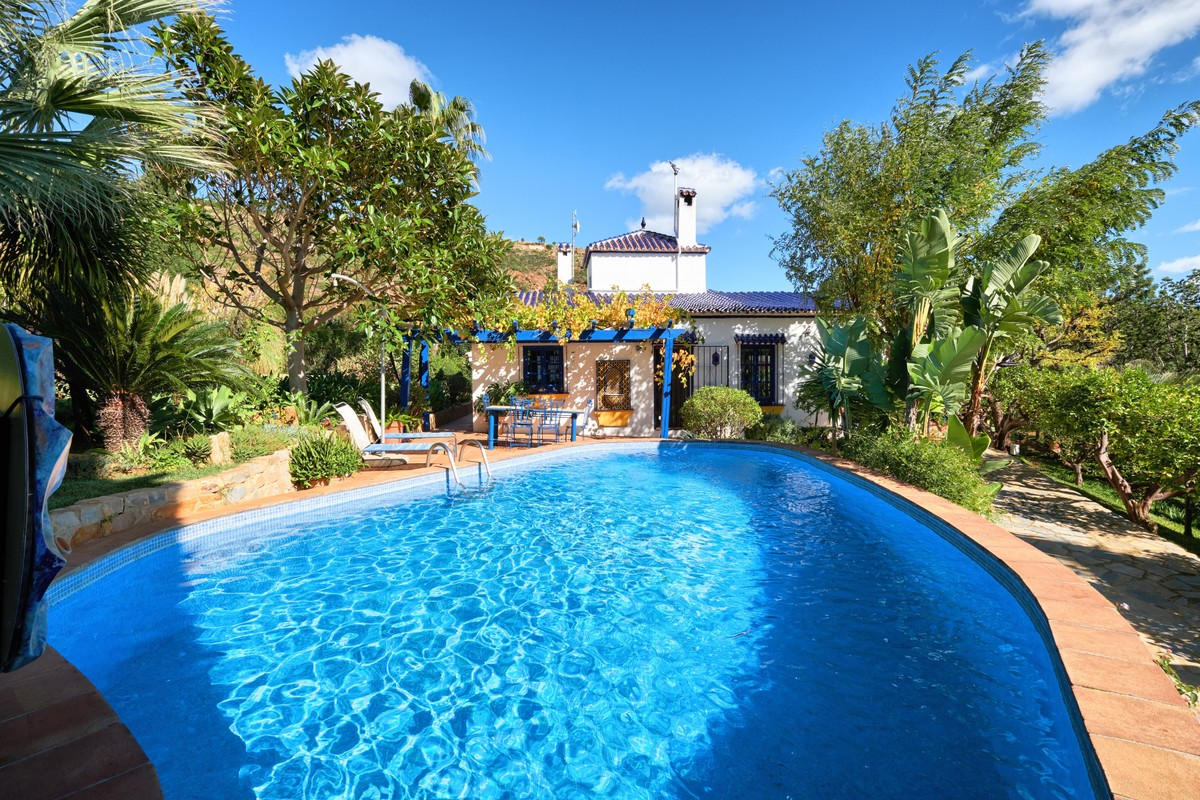 Villas for sale in El Velerin