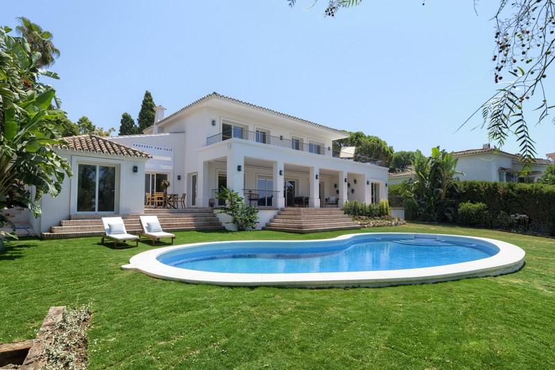 Villas for sale in Guadalmina