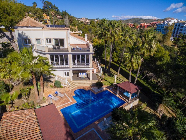 Villas for sale in Istan