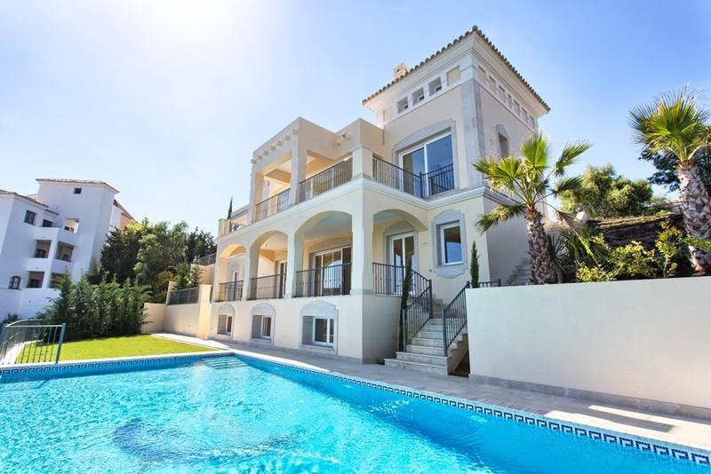 Villas for sale in La Cala Golf Resort
