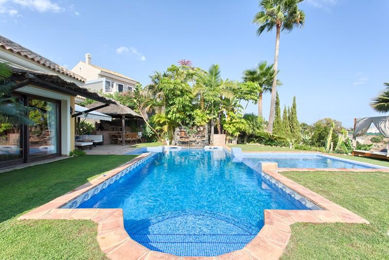 Villas for sale in Los Almendros