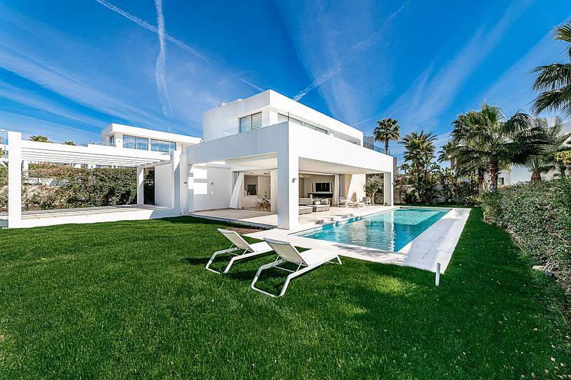 Villas for sale in Río Real