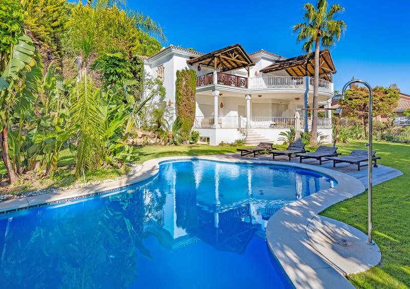 Villas for sale in Sierra Blanca
